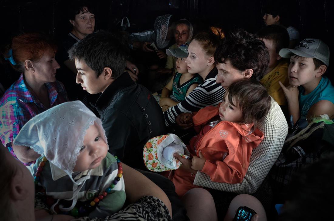 Свои против своих. Фотоистория войны на Донбассе
