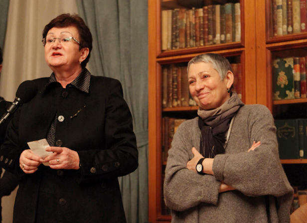 Ekaterina Genieva and Lyudmila Ulitskaya in the Library of Foreign Literature. Moscow, 8 February 2011.