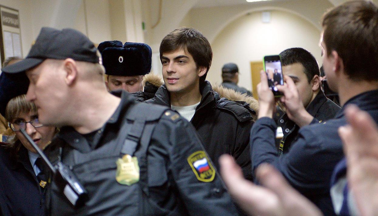 В Москве фигурант «Болотного дела» Непомнящих вышел на свободу
