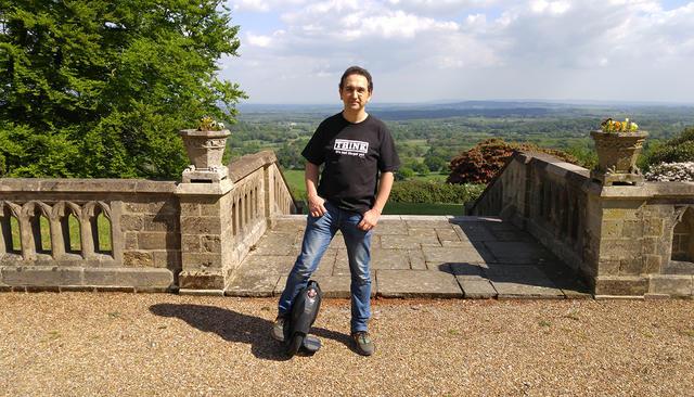 Посмотри, как живут правильные английские пацаны» Интервью Тимура Артемьева — бывшего совладельца компании «Евросеть