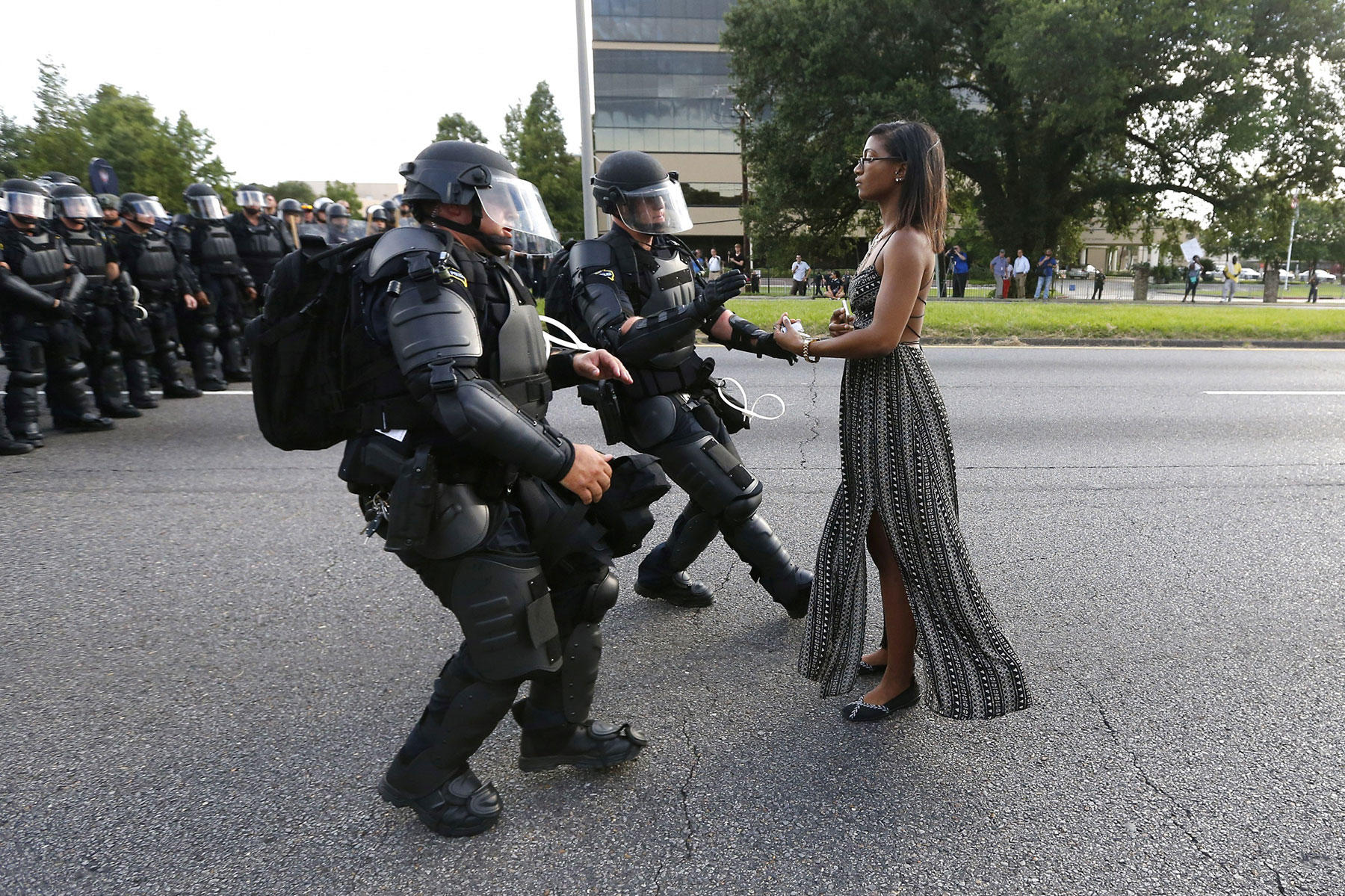 the medias negative portrayal of the use of force by police officers in the united states The copyright law of the united states (title 17, united states code) governs the making of  research examining the police use of force has reported that officer characteristics, including race, age, and gender, were not related to the use of force.