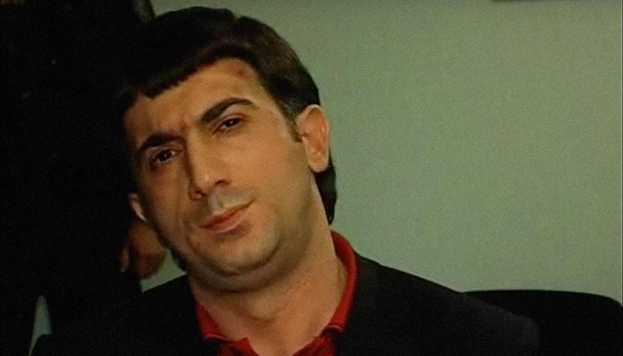 Тело вонючего азера,организовавшего убийство вонючего деда хасана, на родине встречали тысячи вонючих азеров