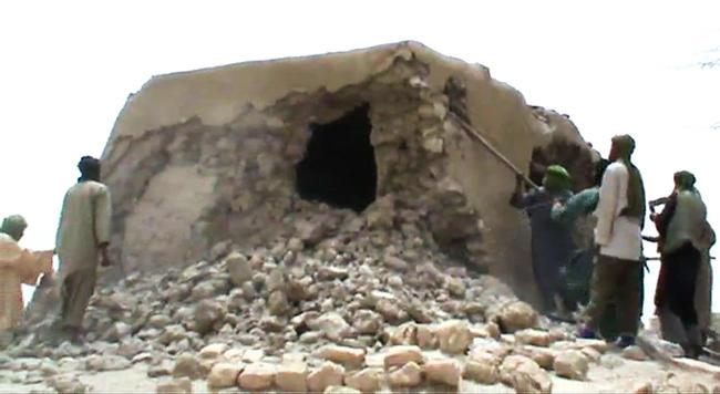 Гаага: главарь «Ансар ад-Дин» признал свою вину вразрушении монументов Тимбукту