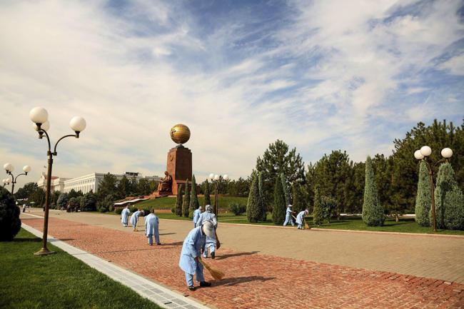 «Я бы сравнил со смертью Сталина» Жители Узбекистана — о болезни президента Ислама Каримова и настроениях в стране