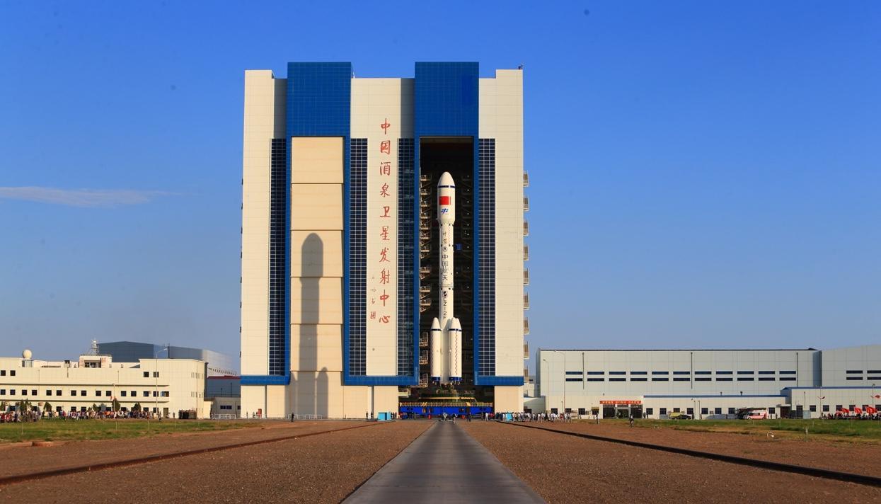 Поднебесная готовится кзапуску ракеты скосмической станцией наборту