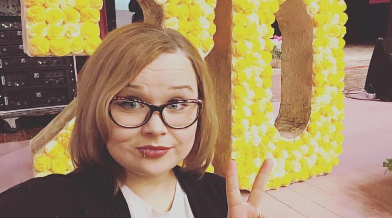 ВКрасноярске молодую учительницу вынудили уволиться из-за фотографий в социальных сетях