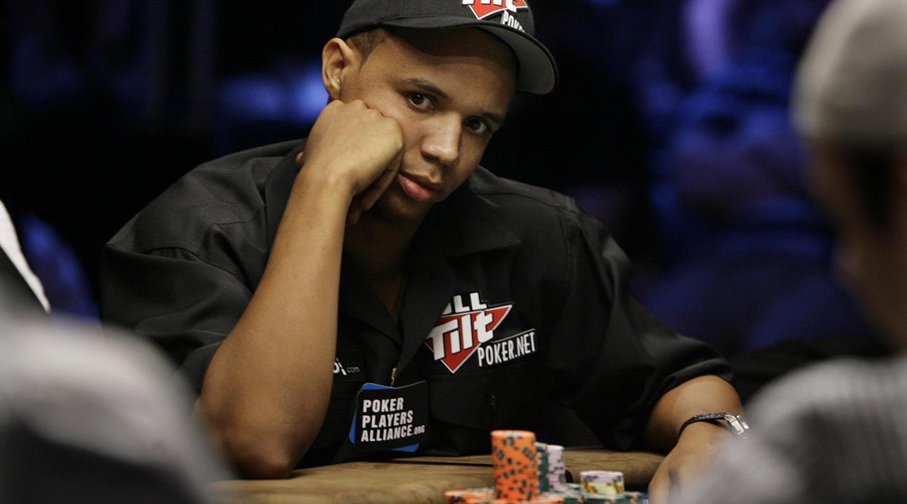 Знаменитый онлайн покер старгеймс казино играть