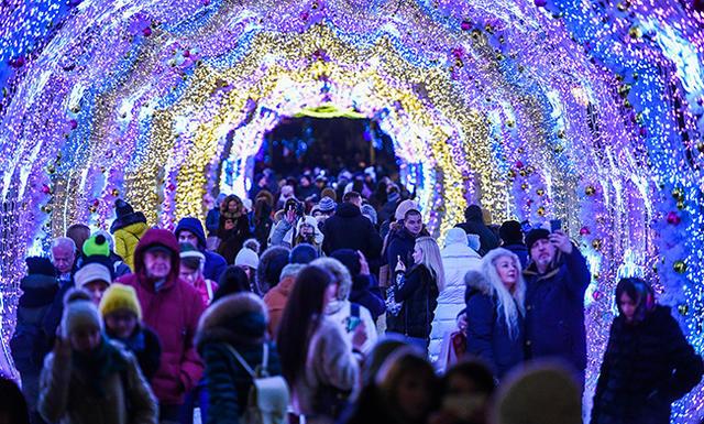 Световой туннель наТверском бульваре