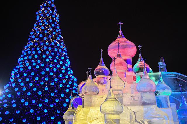 Новогодний фестиваль «Ледовая Москва» наПоклонной горе
