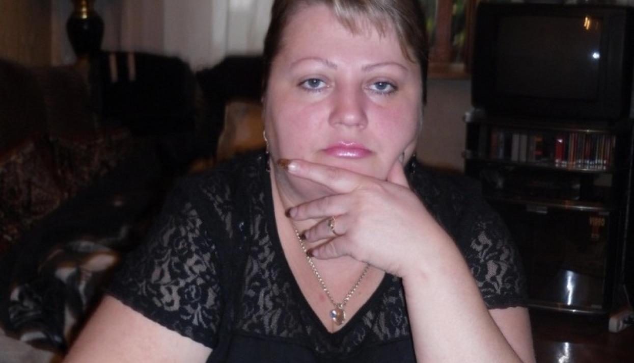 Ну полный извращенец Путин помиловал Оксану Севастиди, которую посадили за SMS, отправленную в 2008 году.