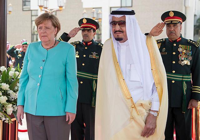 Саудовское телевидение дорисовало наМеркель хиджаб изпикселей