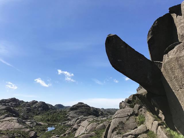 Норвежцы собирают деньги навосстановление скалистого «Пениса тролля», отбитого вандалами