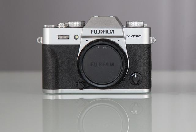 Современная беззеркалка Fujifilm X-T20
