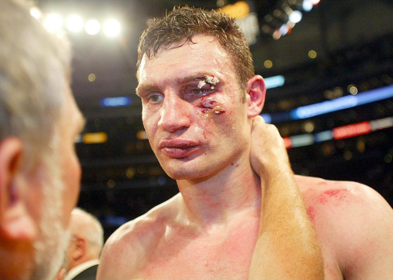 Кличко: удивлён, что Макгрегор согласился боксировать с Мейвезером и не стал бросать ему вызов в UFC