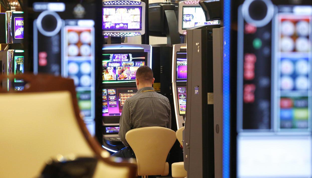 Выпускник Академии ФСБ расшифровал метод, покоторому работают игровые автоматы