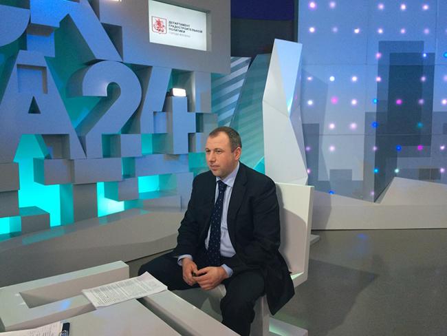Андрей Валуй встудии программы «Москва вдеталях» телеканала «Москва-24», 18марта 2016 года