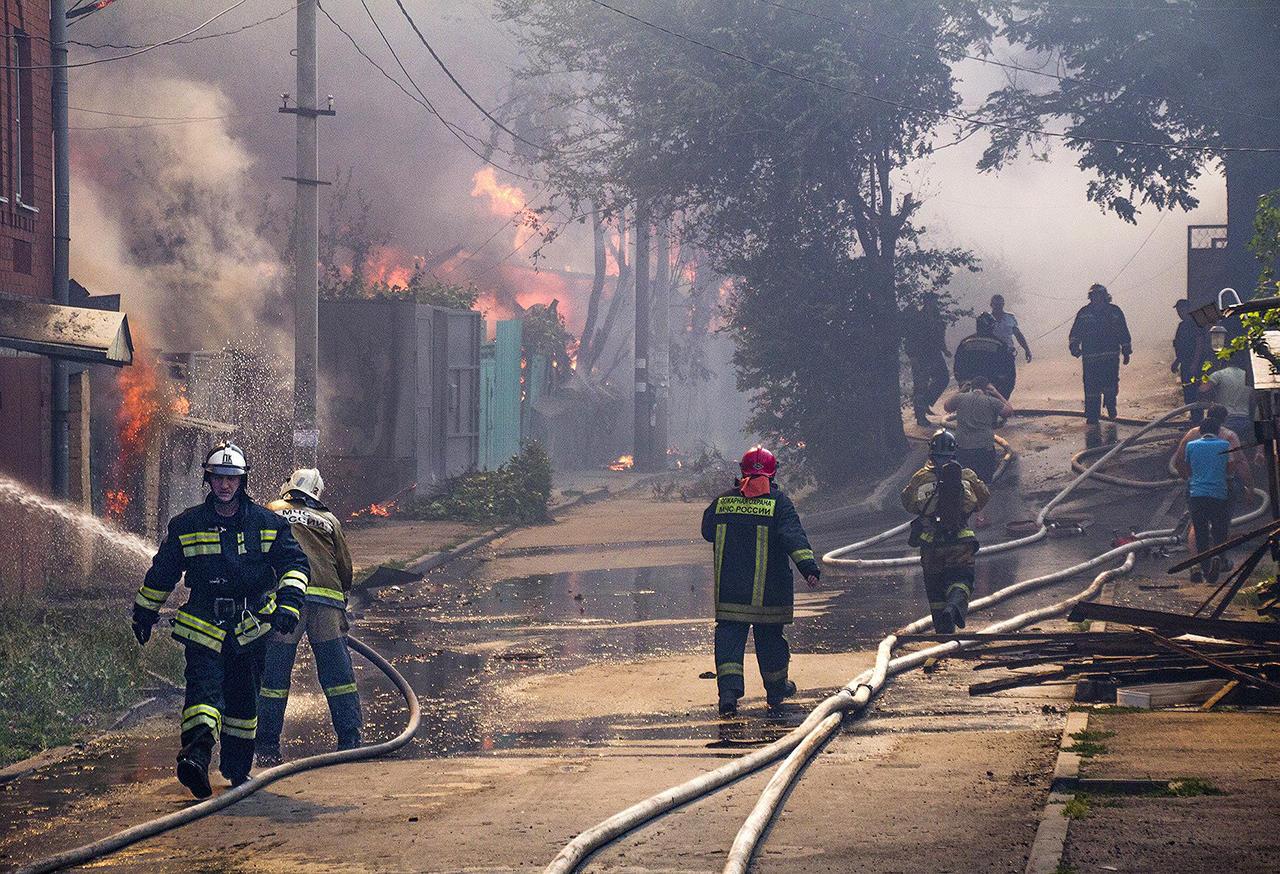 NPbIKMQ06xsNBSu6lVBkNg Дома без страховки, пожарные без воды. Как и почему в центре Ростова-на-Дону сгорел целый район