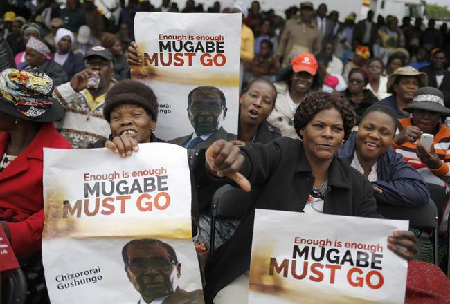 «Мугабе должен уйти»