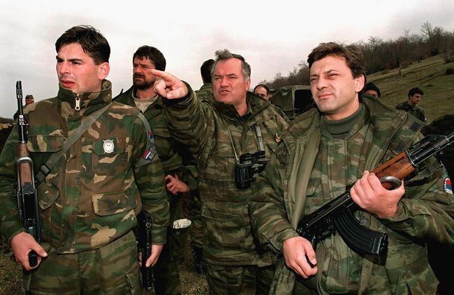 Сербский командир Ратко Младич получил пожизненный срок за убийства мусульман. Кто он и почему его называют «боснийским мясником»?