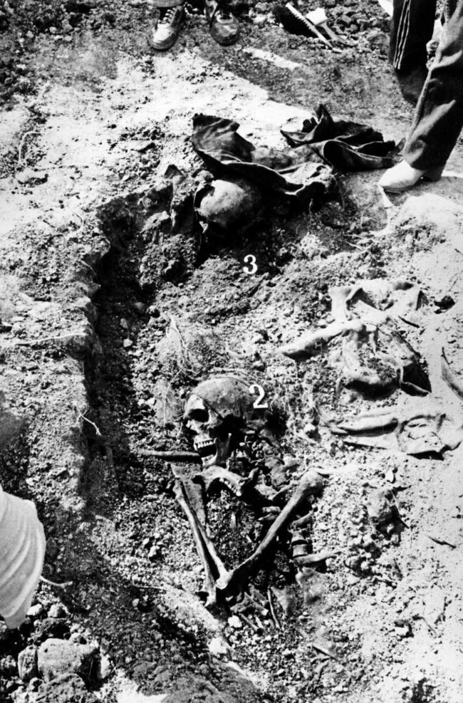 Victims' remains exhumed near the village of Tarasovsky, May 1992