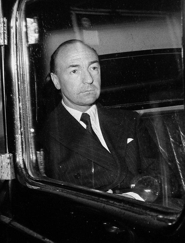 Джон Профьюмо вскоре после отставки, 19июня 1963 года