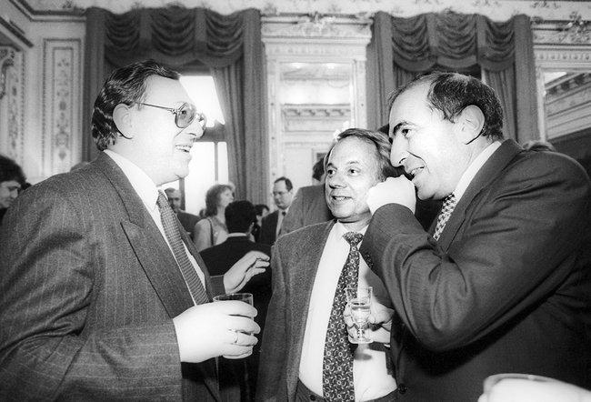 Глава холдинга «Медиа-Мост» Владимир Гусинский, председатель ВГТРК Олег Попцов иБорис Березовский, 1996 год