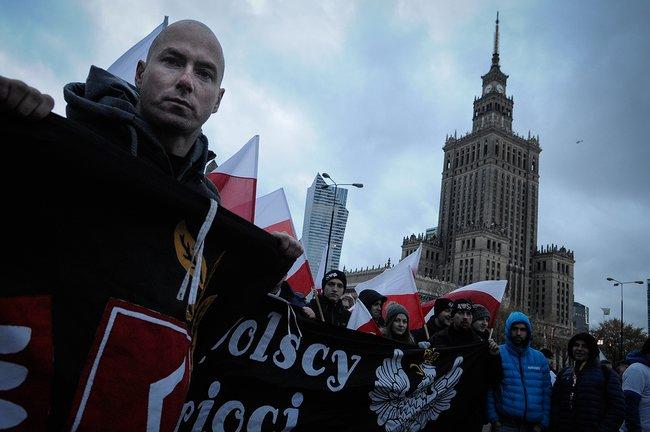 Демонстрация националистов врамках празднования Дня независимости Польши вВаршаве, 11ноября 2017 года
