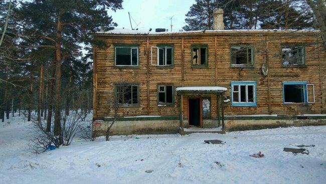 Сгоревший жилой дом вСосновом Бору