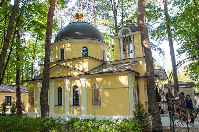 Church of St. Elizabeth in Moscow's Pokrovskoye-Streshnevo District. May 13, 2016.