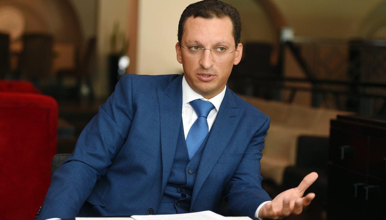 Прошлый научрук В. Путина подал иск против «Делового Петербурга» иTransparency
