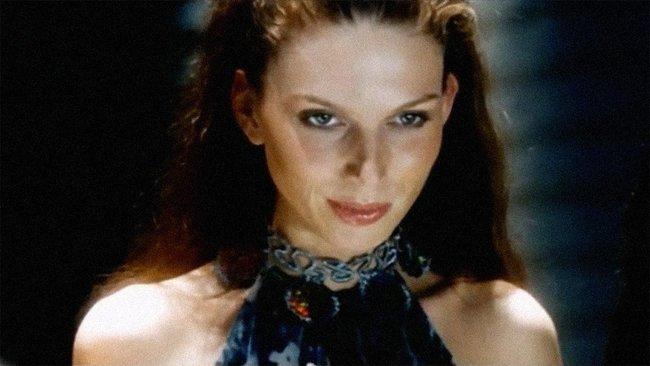 "Elmira Tuyusheva appears in ""Gloss."""
