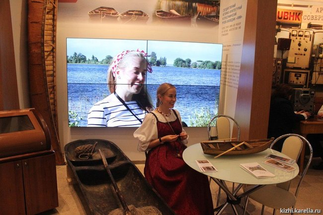 "Marina Nozhenko at the Kizhi Museum's stand in Moscow at the 2017 ""Intermuseum"" festival"