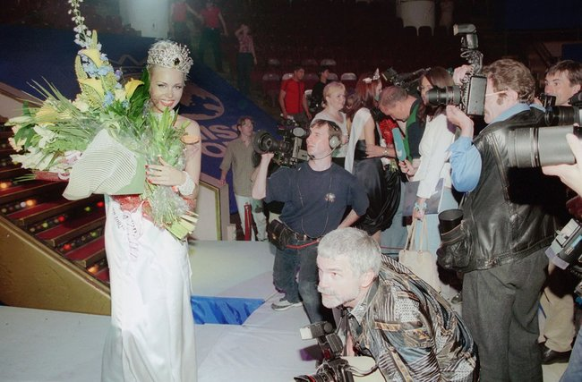 "Anna Tatarintseva, winner of the 2002 ""Beauty of Russia"" contest, July 26, 2002"