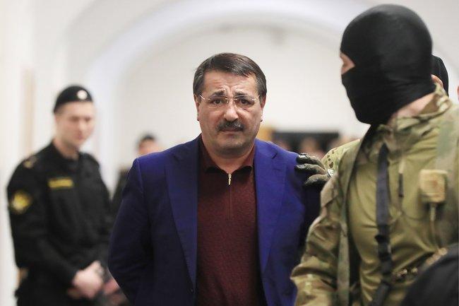 Бывший заместитель председателя правительства Дагестана Шамиль Исаев вБасманном суде, 6февраля 2018 года