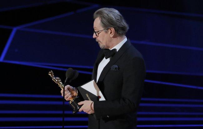 Гари Олдман— премия залучшую роль в«Темных временах»