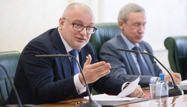 Left: Senator Andrey Klishas, chairman of the Federation Council's Commission on Constitutional Law. Right: Senator Andrey Klimov, chairman of the Federation Council's Commission for the Protection of State Sovereignty. March 5, 2018