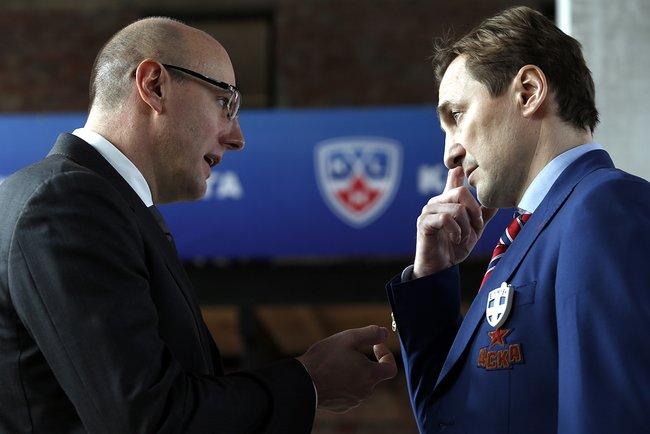 Президент КХЛ Дмитрий Чернышенко ибывший главный менеджер ХКЦСКА Сергей Федоров