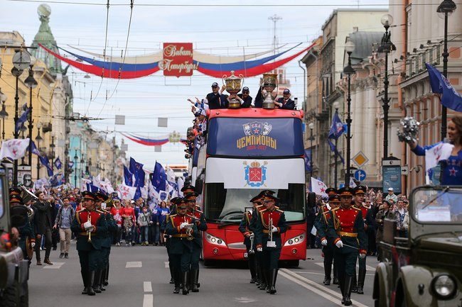СКА празднует победу всезоне 2016-2017, май 2017-го