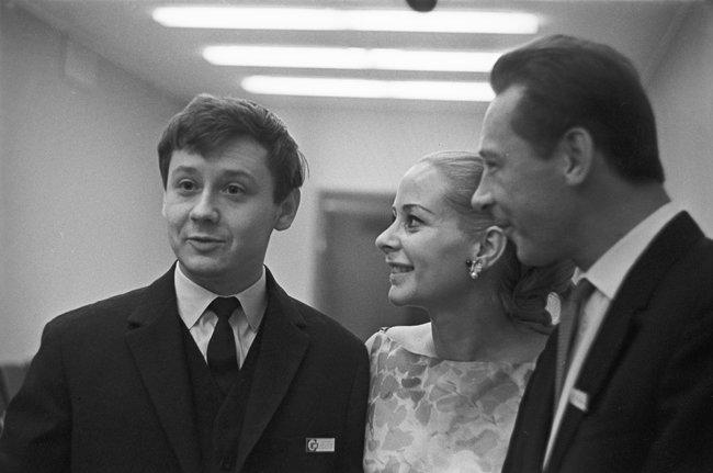 Табаков, французская актриса Женевьева Паж иОлег Ефремов. IVМеждународный кинофестиваль вМоскве. 5июля 1965 года