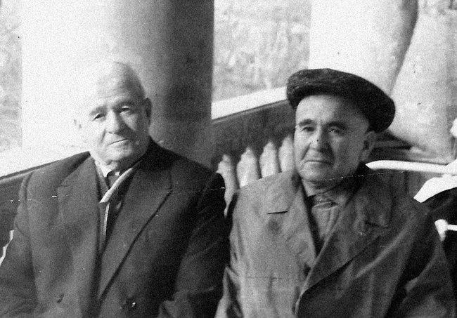 Арутюн Нароян сбратом Арменаком (слева). 1967 год