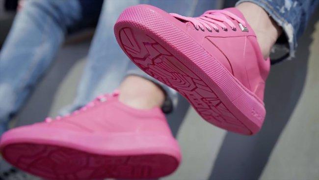 ВАмстердаме выпустили кроссовки изпереработанной жвачки