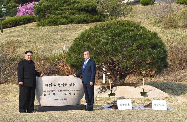 Конец 70-летней войне: лидеры КНДР иЮжной Кореи готовы объявить перемирие
