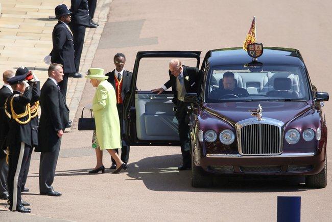 На свадьбу Меган Маркл и британского принц Гарри пригласят даже пчел рекомендации