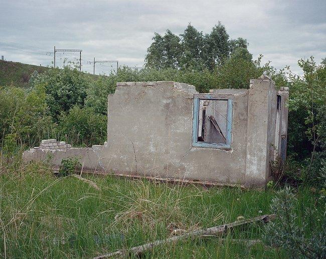 Заброшенное садовое товарищество, разрушенное взрывом. Июнь 2018 года