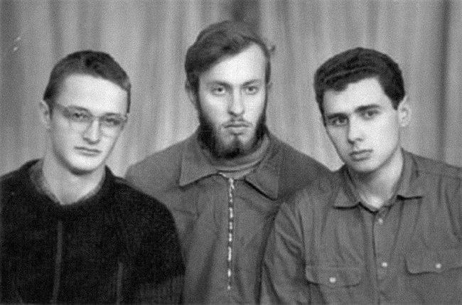 Будущие создатели коммуныСИД. Глеб Павловский— крайний справа. Одесса, 1969 год