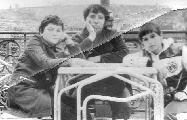 Павел Пепперштейн-Пивоваров, Виктор Пивоваров, Антон Носик. Прага, 1980 год