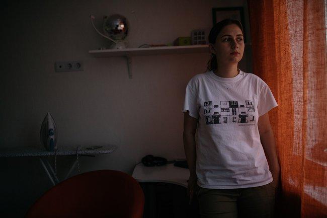 Полина Накрайникова всвоей квартире в«Кошелев-парке», июль 2018 года