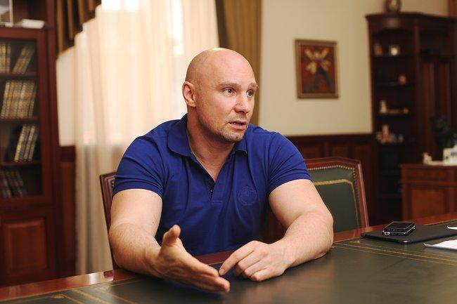 Владимир Кошелев врабочем кабинете, 19июня 2015 года