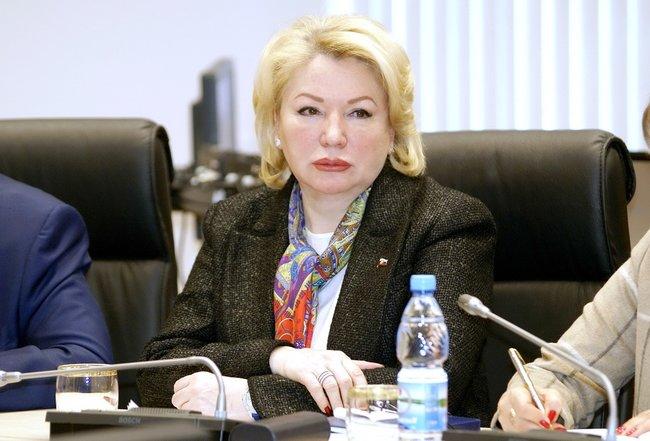 Основательница «Памяти» Ирина Соловьева вВолгоградской областной думе, март 2018 года