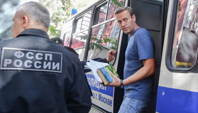 Alexey Navalny before trial, August 27, 2018